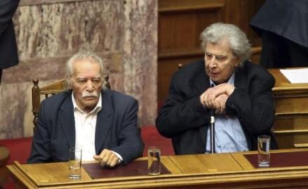 """Manolis Glezos: """"Pido disculpas al pueblo griego por haber contribuido a crear esta ilusión"""""""