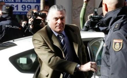 Cárcel y represión para los jóvenes, impunidad para el corrupto Bárcenas