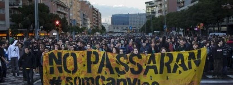 Prisión para cuatro jóvenes detenidos del centro ocupado Can Vies de Barcelona