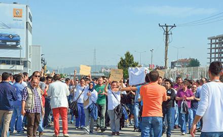 Rebelión obrera paraliza las plantas de Renault, Fiat y Ford en Turquía