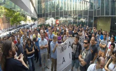 Indra anuncia miles de despidos, los trabajadores van a la huelga