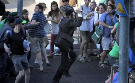 Jerusalén: ultraortodoxo apuñala a 6 personas en Marcha del Orgullo