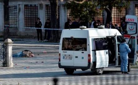 Ataque suicida en una zona turística de Estambul causa una decena de muertos