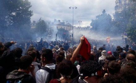 Un millón de personas en París, una manifestación gigantesca