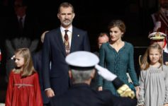 Felipe VI bendice la gran coalición y pide más concertación