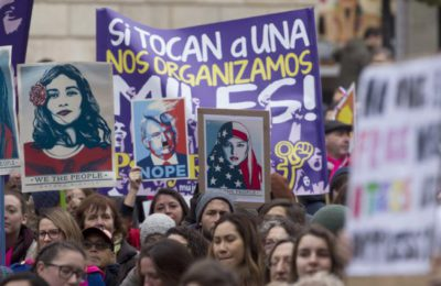 Pan y Rosas en manifestación de Barcelona contra Trump y el imperialismo